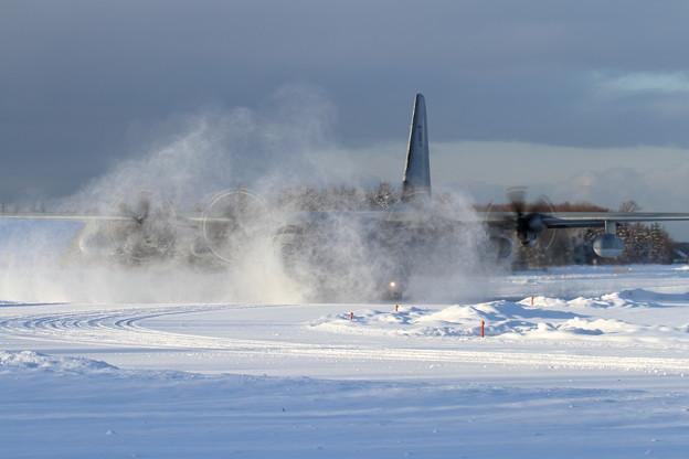 KC-130J コーナー手前で減速