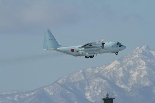 C-130Rと恵庭岳