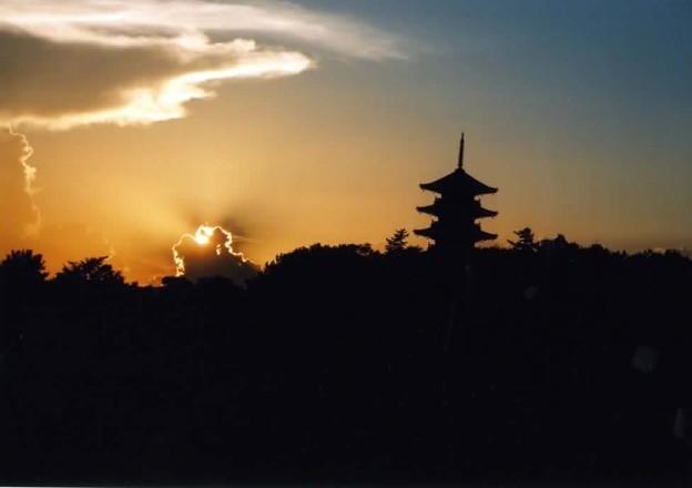 Photos: 観光のメッカ塔と夕日
