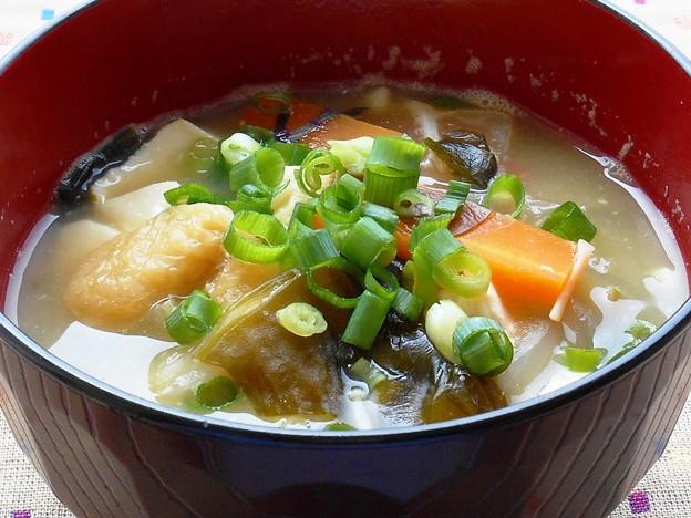 うな丼には、豆腐とわかめの御みそ汁♪(きも吸いもいいけれど)