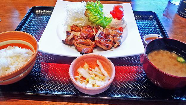 大戸屋 ( 成増 )  もろみ漬け鶏の炭火焼き定食        2016/03/19