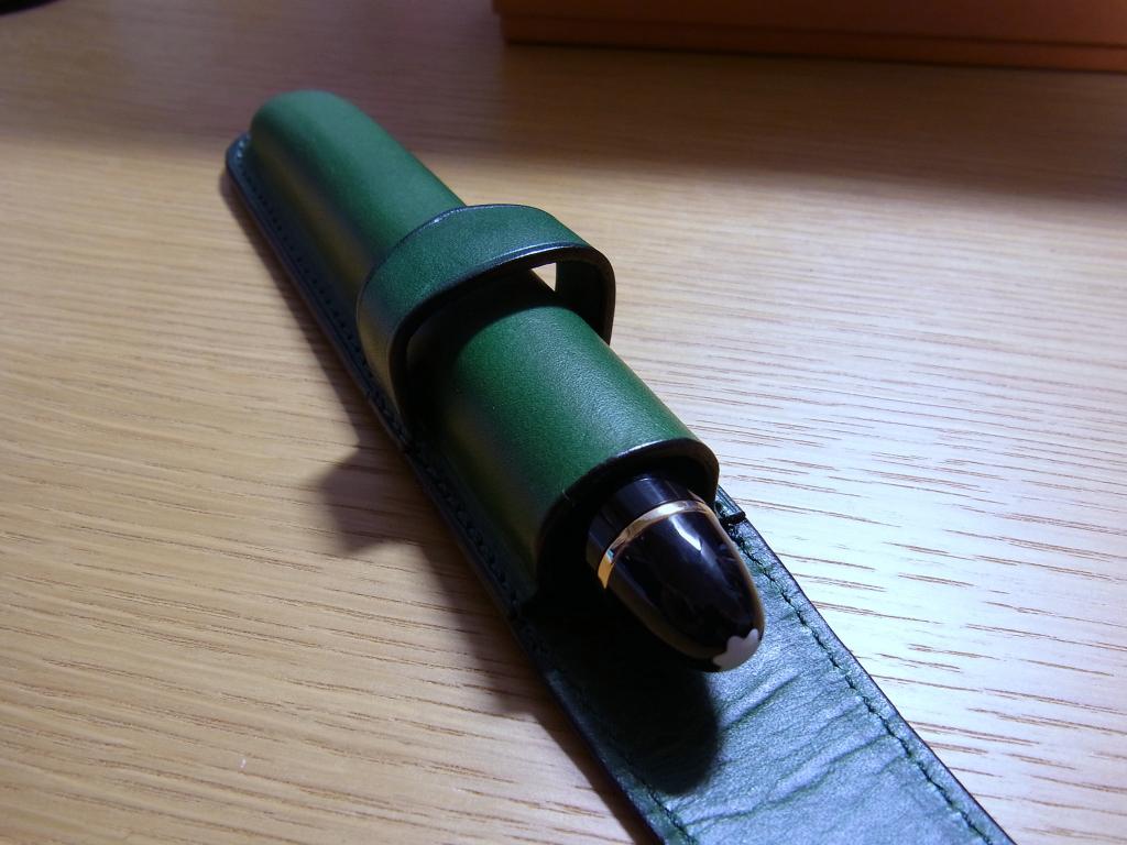 Le Bonheur Buttero Pen Case (inner) with Montblanc 149