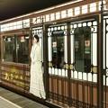 写真: 四ツ橋線の西梅田駅に、『あさが来た』ラッピングの車両がいました♪...