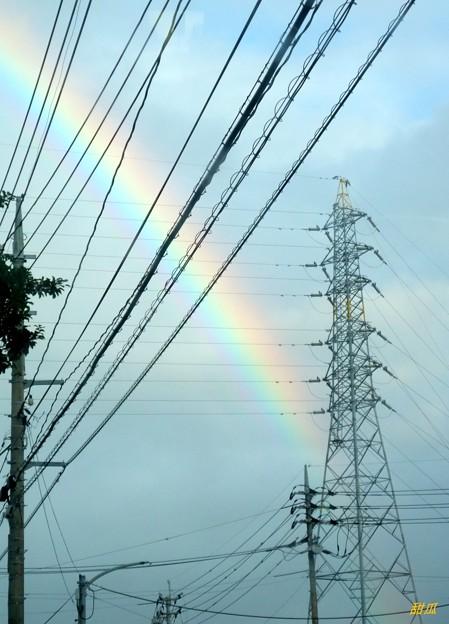 Photos: 電線の向こうに