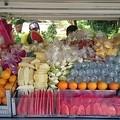 Photos: 果物屋台 山積み