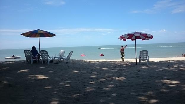 バトゥフェリンギのビーチです