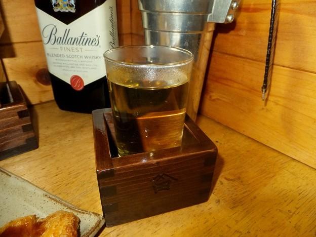 枡で味わうホットウイスキー