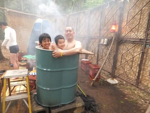 家族でドラム缶風呂