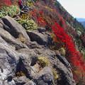 Photos: 岩と紅葉