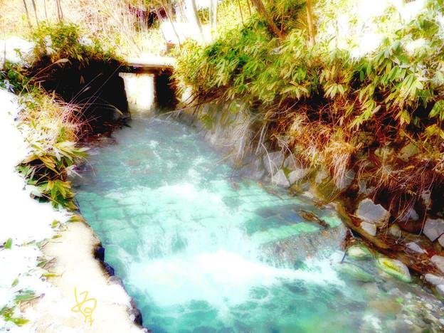 納涼草津6 湯気立つ川