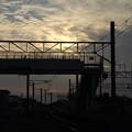 写真: 夕暮れの駅