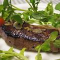 写真: エゾシカロース肉のステーキ