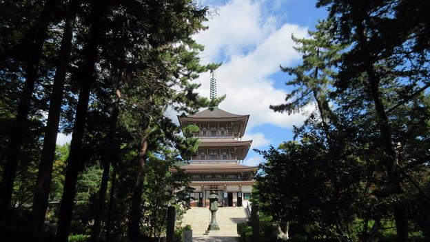 善光寺(長野市元善町)日本忠霊殿