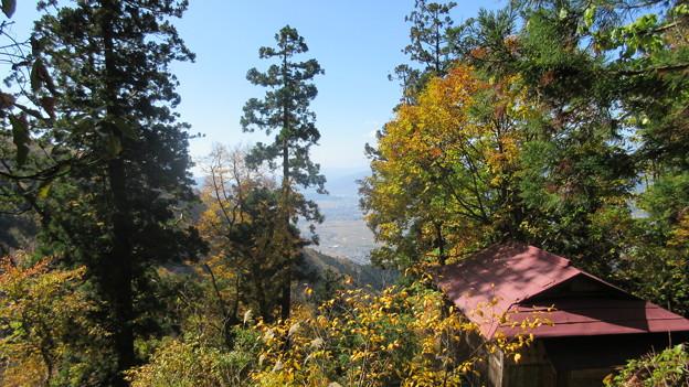 15.10.26.小菅神社(飯山市)階段より景観