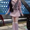 ジェニーJ5用ファッションウェアを着たREINA(中山競馬場にて)