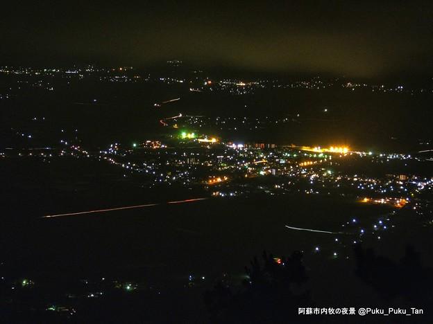 阿蘇市内牧の夜景。