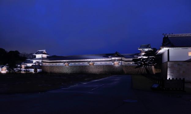 金沢城  ライトアップ  右は河北門