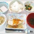 写真: 2月15日昼食(揚げ魚の野菜あんかけ) #病院食