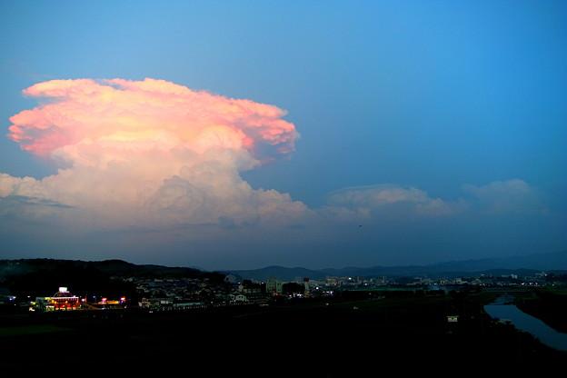 夕焼けの積乱雲