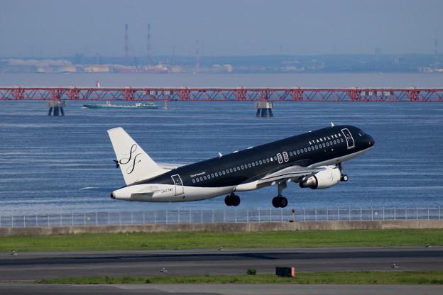 SFJ A320-200