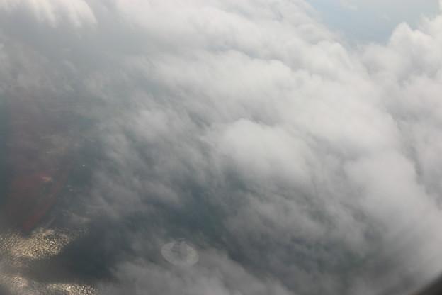 離陸直後、すぐに雲に覆われた