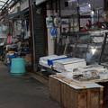 写真: 団地北商店街_魚屋さん-01642