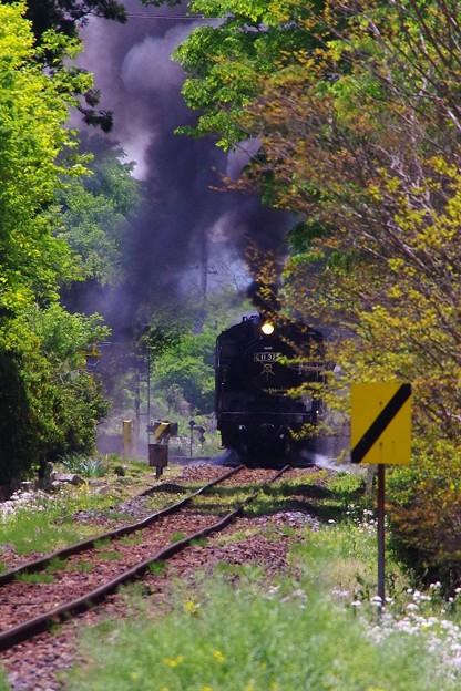 黒い煙が出るほど加速力が出る真岡鐵道SL C11325・・20140511