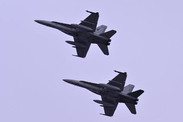 岩国の米海兵隊VMFA-533hawks F/A-18Dホーネット 厚木基地オーバーヘッドアプローチへ・・20150117