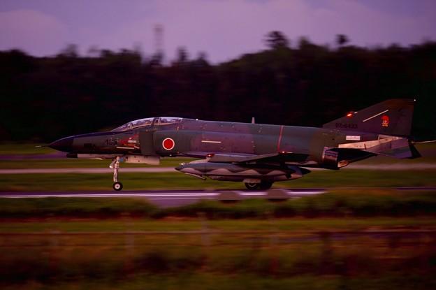 日も暮れて辺りは暗く。。第501飛行隊RF-4。。9月14日