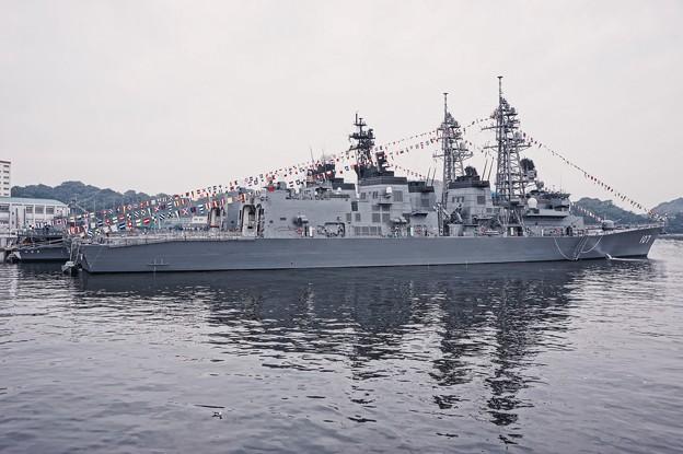 護衛艦てるづきの甲板から見えた護衛艦いかづち達。。横須賀基地一般公開10月10日
