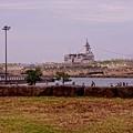 赤レンガから見る夕暮れの大桟橋とちょっとだけ顔出すいずも。。10月11日
