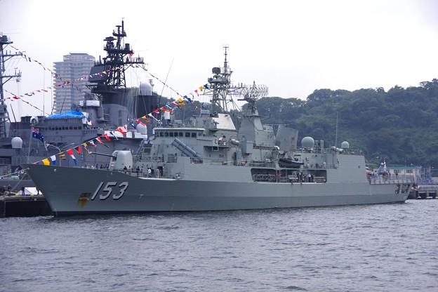 しっかり収めてオーストラリア海軍スチュアート。。吉倉桟橋 軍港めぐりの遊覧船より 10月17日