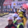 Photos: 撮って出し。。箱根駅伝トップの青学がもうすぐ。。鶴見中継所盛り上がる1月3日