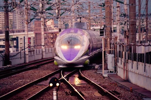 夜が明けて小倉駅・・博多から到着 エヴァ仕様500系・・20151121