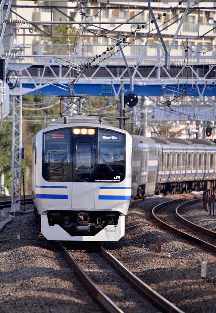 保土ヶ谷駅に入って来た横須賀線E217系。。20151129