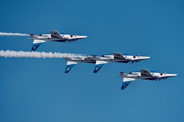写真: 新田原基地航空祭予行。。ブルーインパルス フォーシップインバート。。20151205