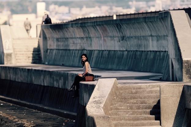 ロケハン中に出会った沖縄嘉手納の海で一人。。米美人。。20160211