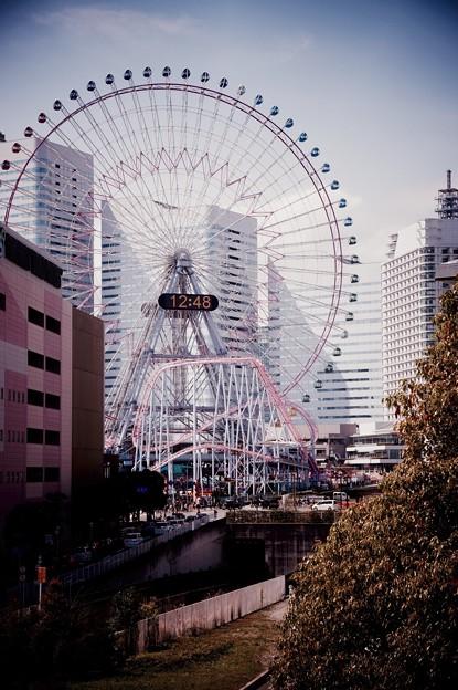 横浜の街並みにコスモワールド観覧車。。20160327