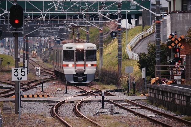 御殿場線松田駅。。国府津行き313系 20160402