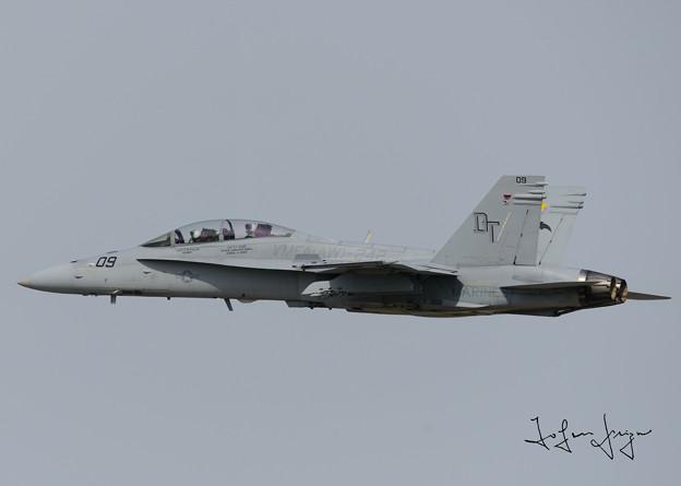 写真: FA-18Dサイドビュー