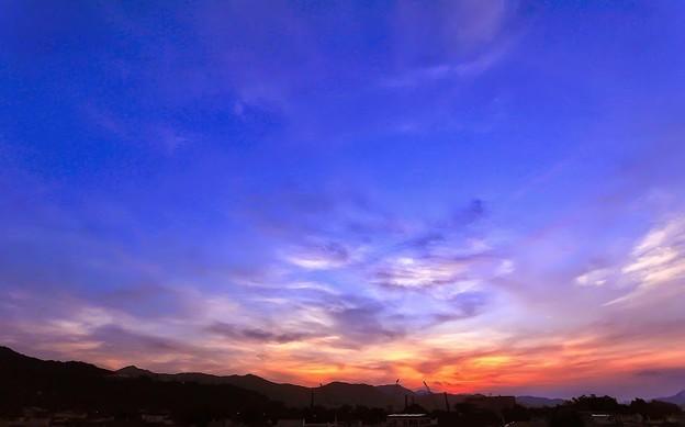 雲 sunrise