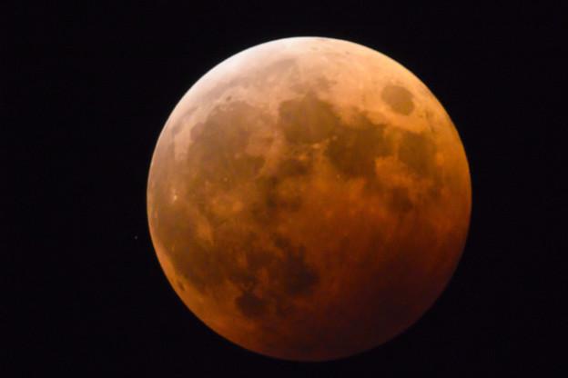 ミラーレンズで撮る皆既月食