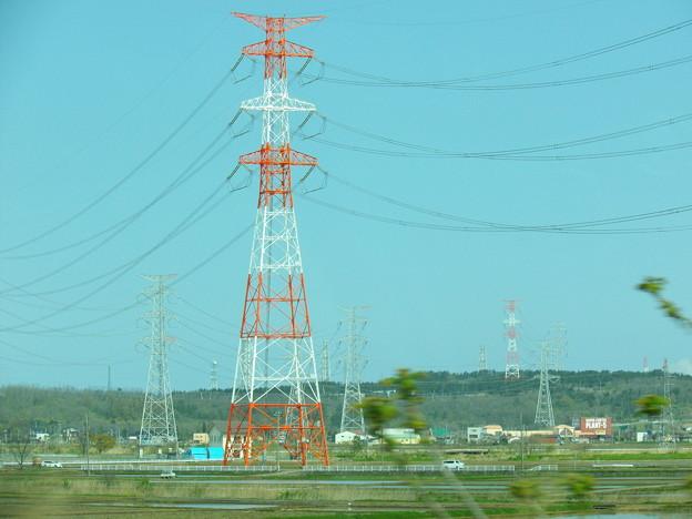 『蔵出し車窓風景』 鋼管鉄塔~昼間障害標識タイプ