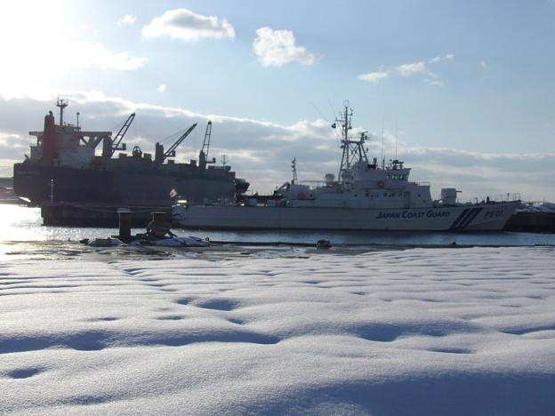 蔵出し~秋田港の雪景色
