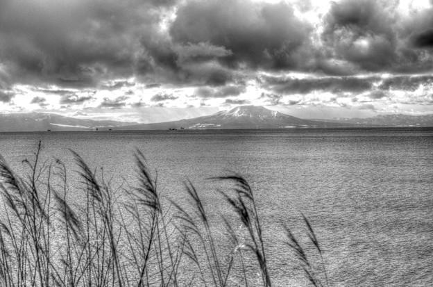 噴火湾と駒ヶ岳と海の音