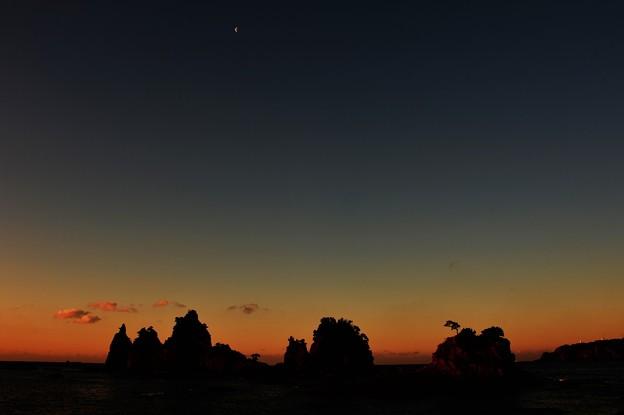 写真: MorningVision ~月と海~