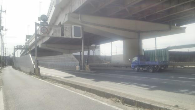 埼玉県八潮市、自転車が首都高速に入った場所周辺その2