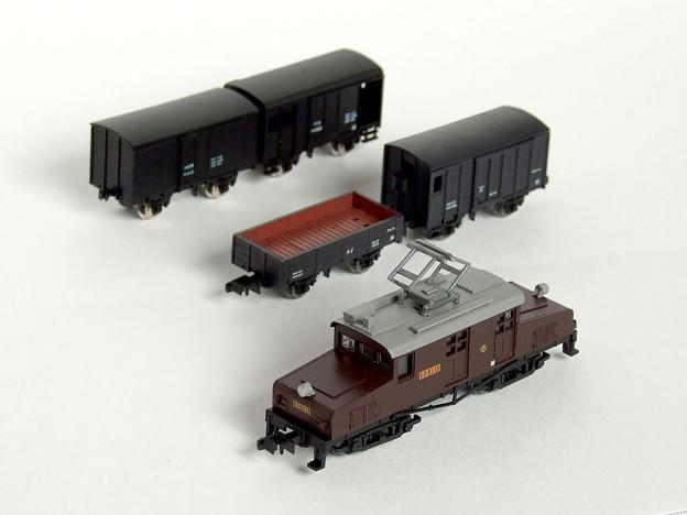 Photos: 凸形電気機関車・貨物列車セットA 03