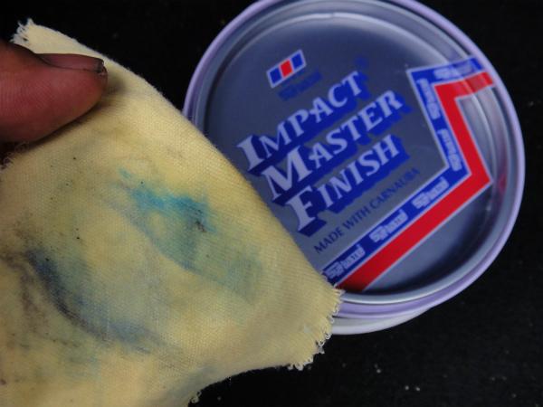 お掃除後にワックスを塗り籠むと塗料が落ちる?