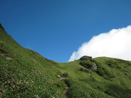 縦走路と空と雲